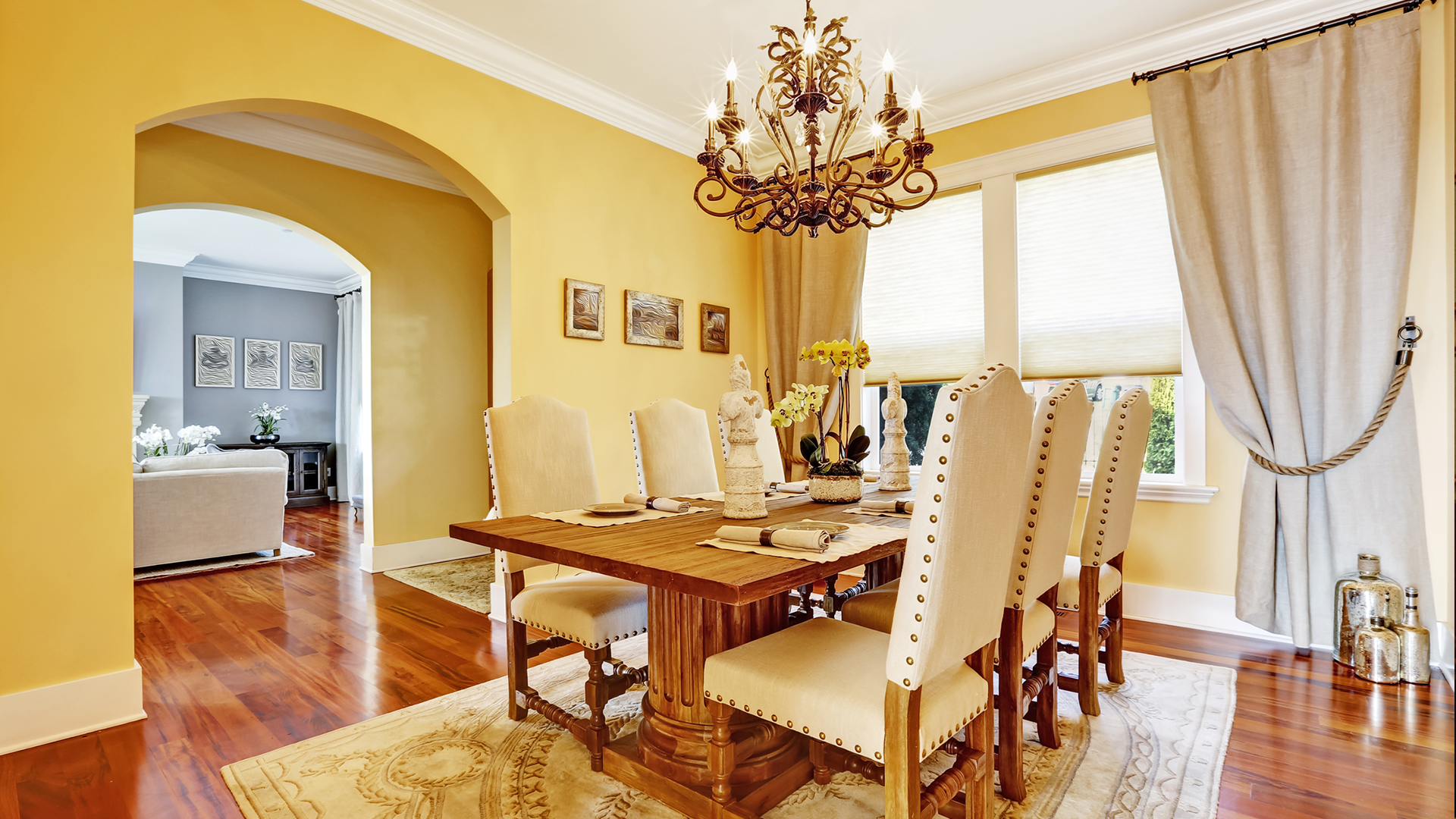 INVITING CASUAL DINING