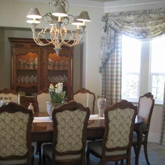 DecorousDining_featured