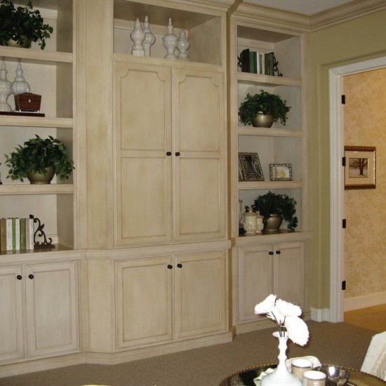 Glazed cabinetry can add depth